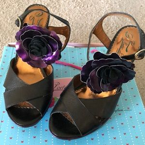 Adorable Poetic License Vintage Heels